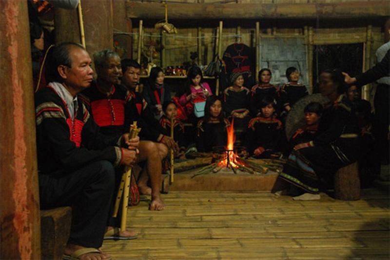 Những cấm kỵ ở Sapa - Không gian thờ cúng