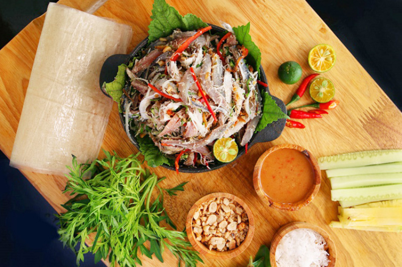 Món ăn đặc sản Đà Nẵng Gỏi cá nam ô