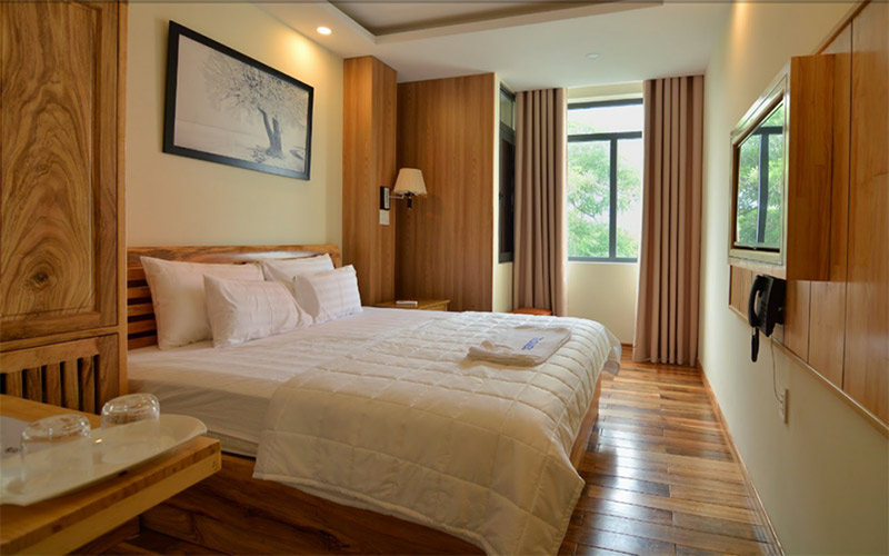 Khách sạn Nha Trang gần biển 2020